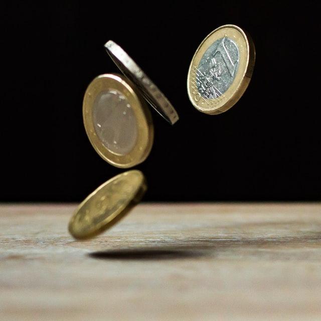 Ahorrar o invertir qué es mejor para ti