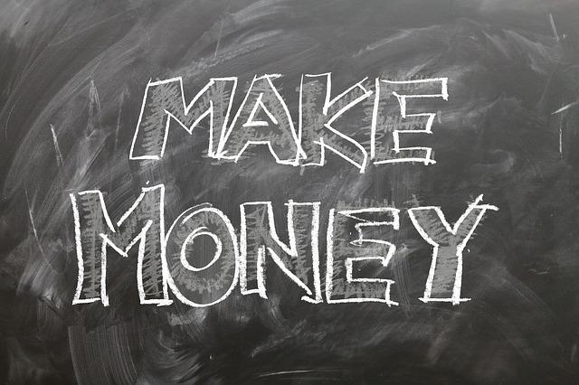 reducir gastos o aumentar ingresos